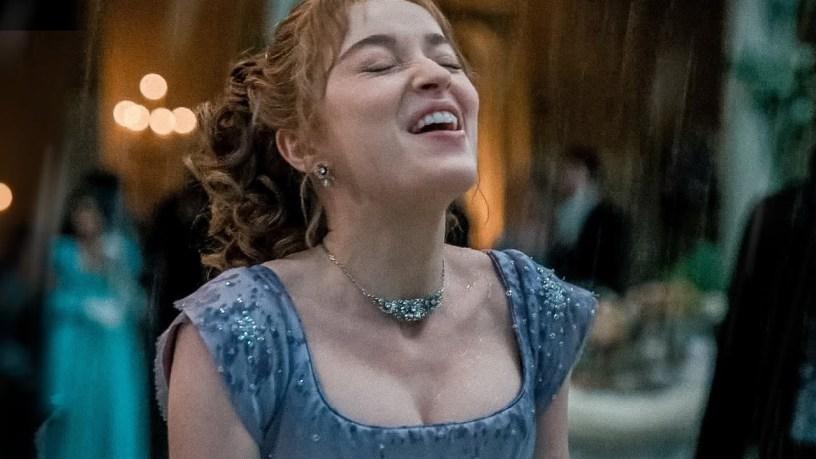 Phoebe Dynevor as Daphne Bridgerton in the waltz scene